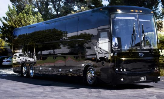 HT-45 HIGH-CAPACITY LUXURY COACH